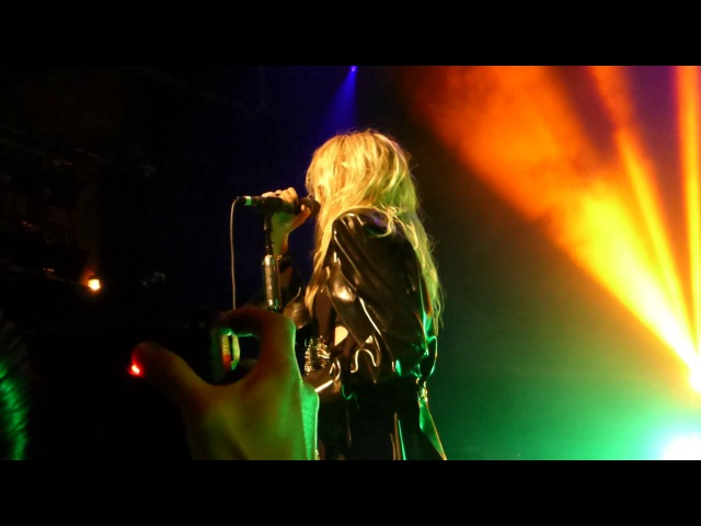 The Pretty Reckless - Follow Me Down LIVE (2013) Los Angeles House Of Blues