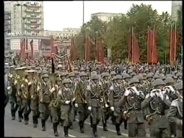 DDR Ehrenparade Karl-Marx-Allee 1988