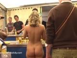 Janka Nude in Public 3