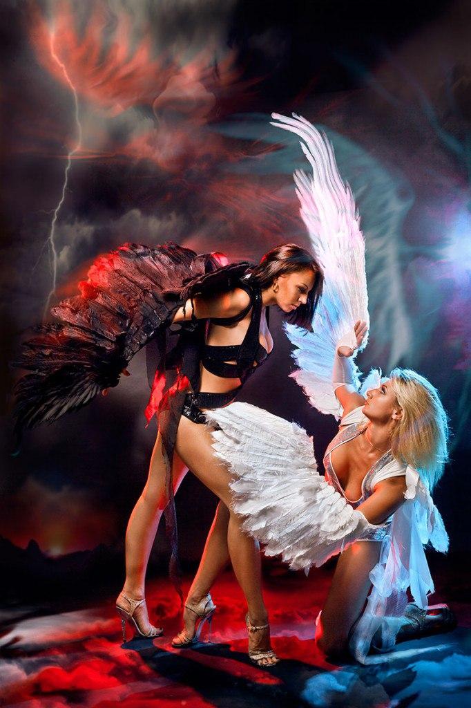 eroticheskoe-shou-angelov