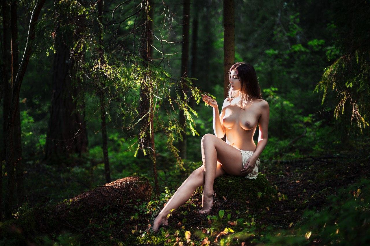 Пор фото в лесу, застал свою девушку с другим и наказал