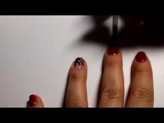 Красные ногти с геометрией