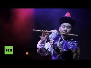 Россия: Песнь Льда и Огня! Сибирский Бурятские музыканты играют игры из темы Игра Престолов.