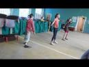 -Школьный детский лагерь..Танцуют девочки,танцуют мальчики..