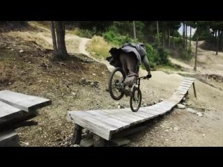 The Hobbit Heli Mountain Biking! Play On in New Zealand - 4K