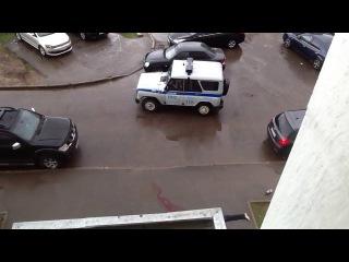 Парень выпрыгнул из окна 17 этажного дома по адресу улица 43 армии д 15