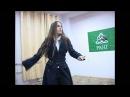 Русская девушка Танцы с мечами
