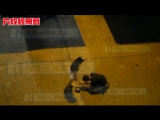 Hong Kong Girl Kicking her Boyfriend