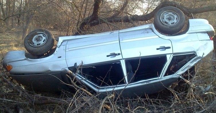 На въезде в аул Кызыл-Октябрь перевернулся автомобиль