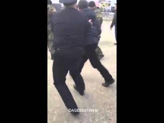 Беспредел на границе Дагестана!!! Дальнобойщиков не пускают в Москву!!!