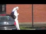 Пранк араб с рюкзаком-бомбой