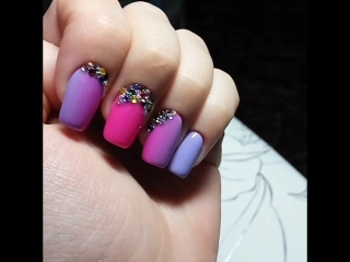 Градиент на ногтях, стразы