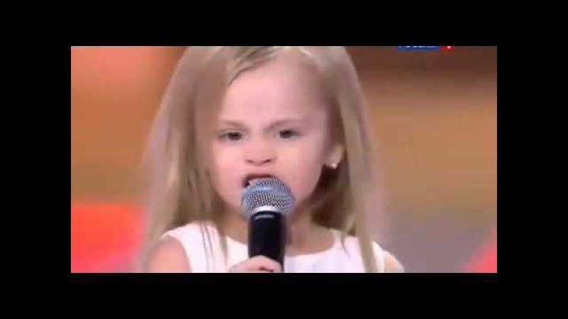 Дочь Виталия Гогунского поет песню