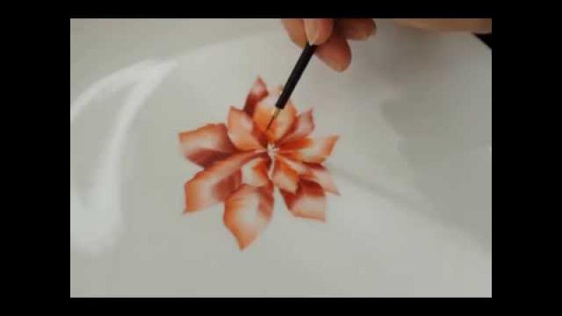 Poinsettiaチャイナペインティングで描くポインセチア