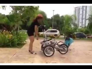 Коляска-трансформер. Таких детских колясок вы еще не видели