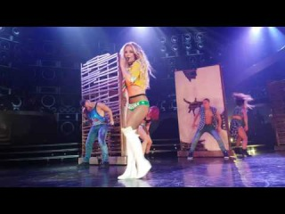 Britney performs MATM 22 JUN 2016 POM