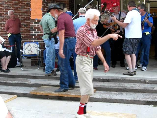 Grandpa Shuffling Original (Orignial footage at the 45th annual Old time fiddlers convention