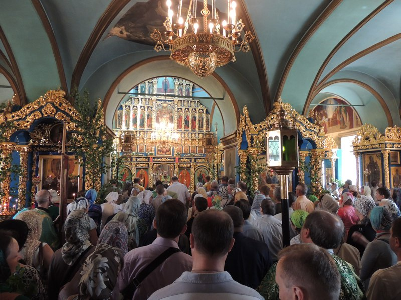 Фотоотчет. День святой троицы в Храме иконы Божией Матери «Знамение» в Захарино