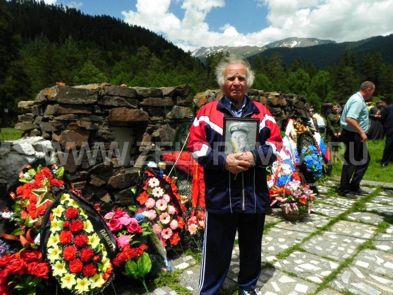 В Зеленчукском районе прошла акция «Зажги свечу в память об освободителях Кавказа»