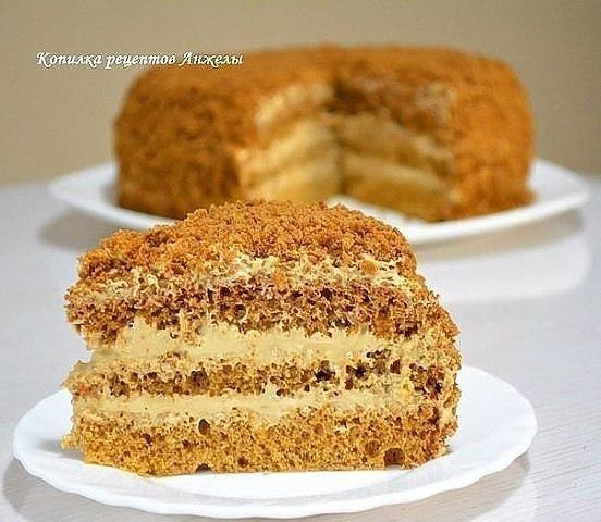 Быстрый бисквитный торт со сметанным кремом