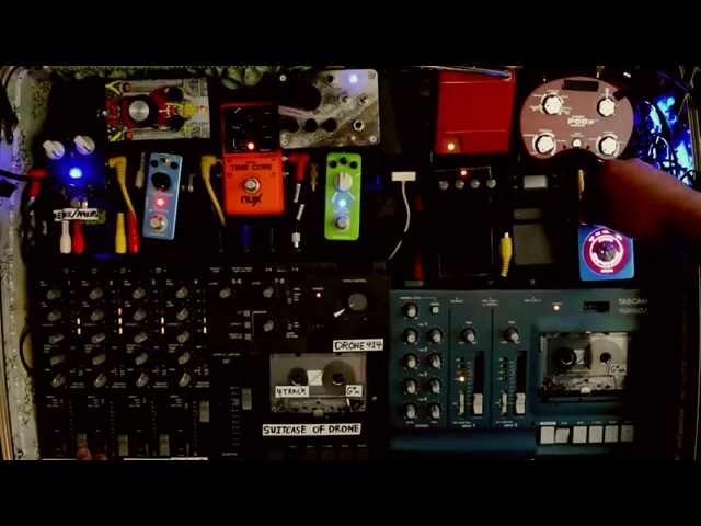 LIVE AMBIENT MUSIC MADE FROM CASSETTE TAPE LOOPS - THE SUITCASE OF DRONE