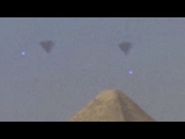 EGYPT 2016 ~UFO FLEET over GIZA PYRAMIDS ~Latest Alien Sightings~Best UFO Sighting Ever