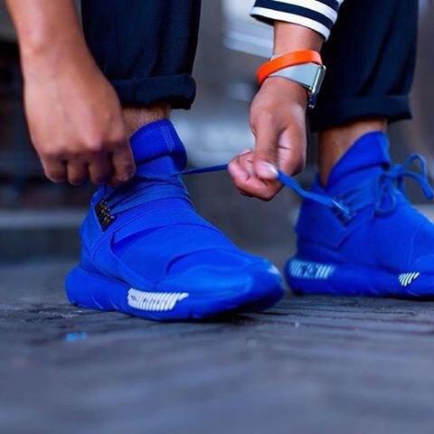 синие кроссовки в магазине pro100krossovki.ru