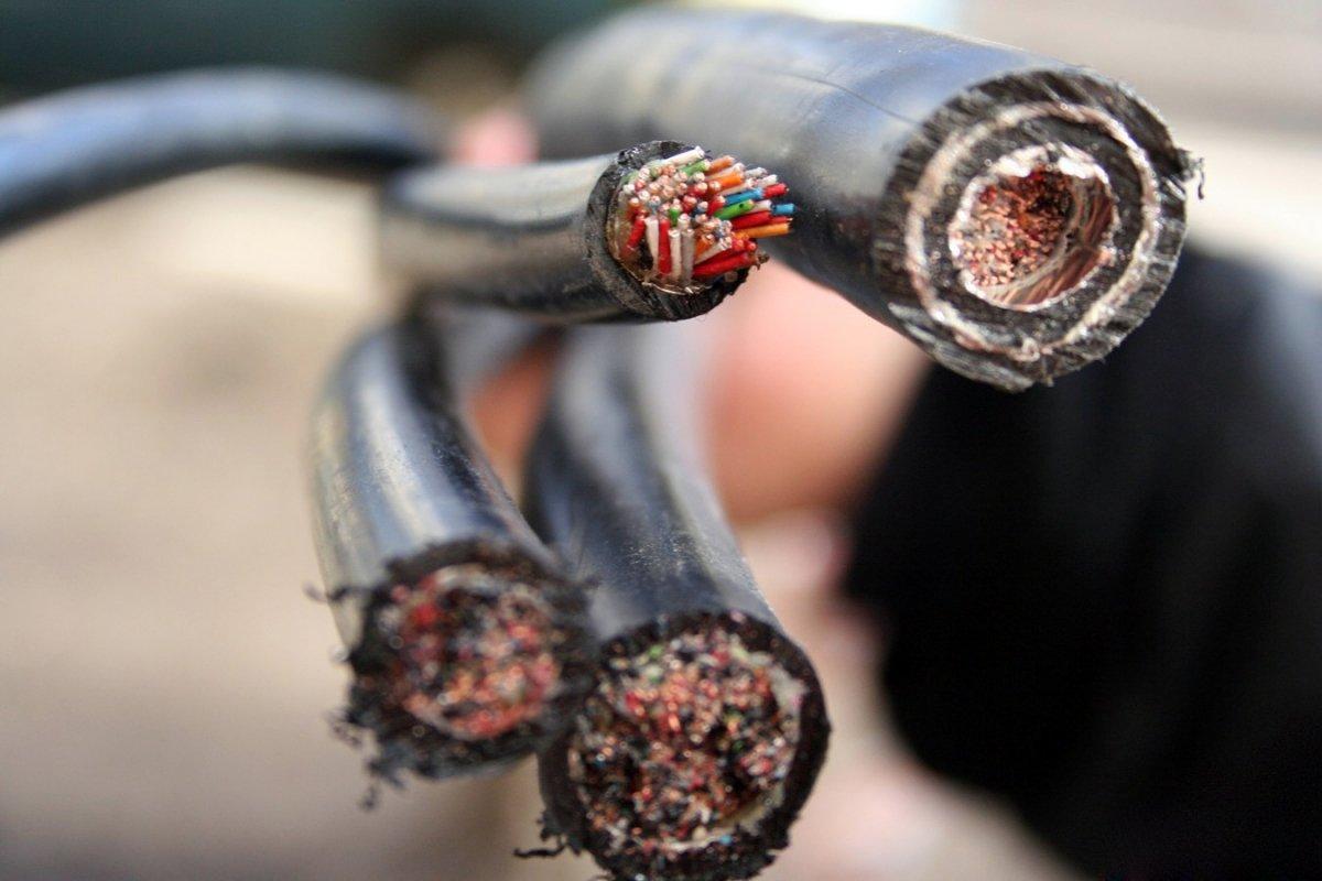 В Зеленчукском районе украли более 1000 метров силового кабеля