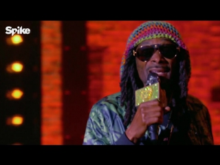 Snoop Dogg performs Bob Marley & The Wailers'