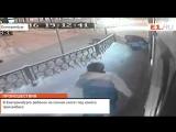 В Екатеринбурге ребёнок на санках улетел под колёса троллейбуса