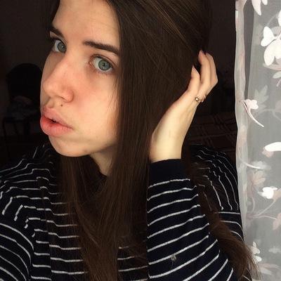 Лиза Карбовская