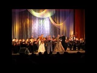 Наталья Пашкова поёт в трио