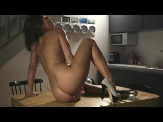 [JoyMii.com] Caprice (Clitoral Orgasm / 27.12.2014) [2014 г., Masturbation, Toys, 720p]