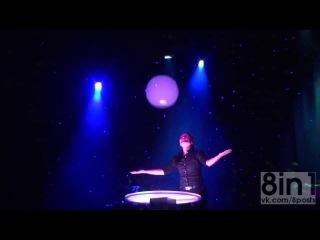 Невероятное шоу мыльных пузырей от Анны Янг / Ana Yang Gazillion Bubble Show
