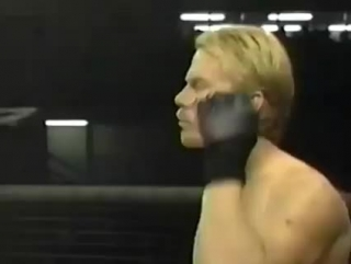 Стиль вин чунь против боевого самбо, 1996 год Battlecade Игорь Зиновьев vs. Стив Фолкнер