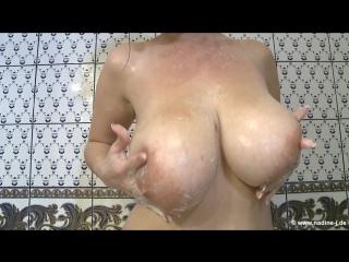 Nadine-J.de: Lina – Lina Showering (2015) HD
