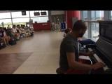 Пианист в аэропорту