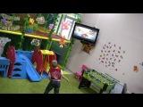 Хотите разнообразить досуг Вашего ребенка? Познакомить его с современной индустрией развлечений?  Приходите в детский игровой клуб КУКАРАЧА (ТЦ Фабрикант) http://vk.com/clubkukaracha76. - для Вас игровая приставка XBOX 360. XBOX 360 - возможность управлять играми посредством телодвижений – без геймпада. Kinect реагирует на движения. Хотите попробовать? Приходите!!! ВИДЕО можно посмотреть в видеозаписях группыhttp://vk.com/clubkukaracha76
