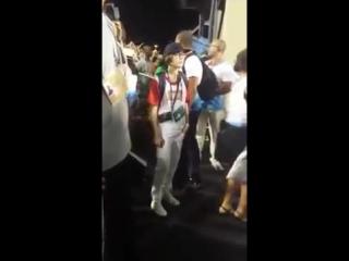 Atriz Ellen Page foi à Sapucaí para a segunda noite de desfile