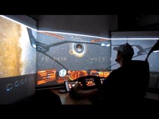 Фанат космического симулятора собрал у себя дома кабину пилота