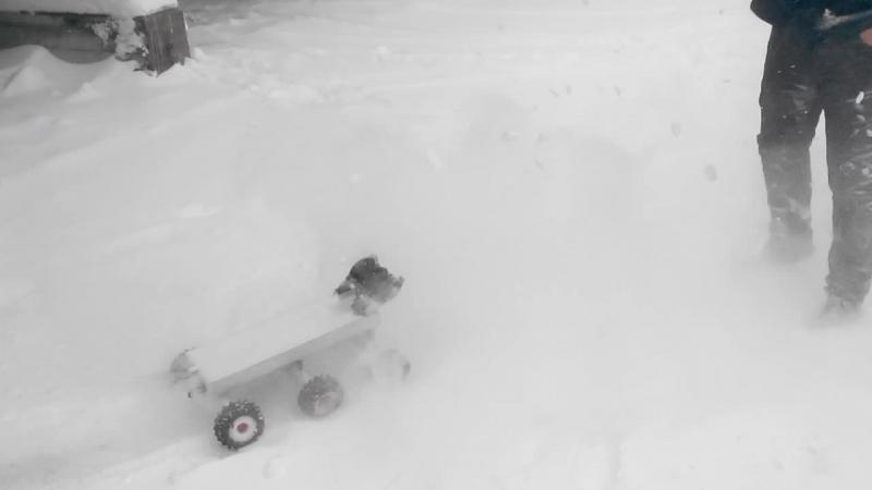 Чистка снега с помощью 6WD