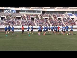 Más de 4.000 escolares malagueños asisten al entrenamiento del Málaga CF