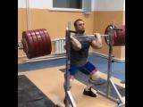 Илья Ильин приседание со штангой на груди 290 кг