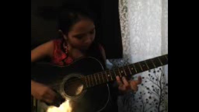 Всем привет ) сегодня я добавила из своего репертуара МЕНУЭТэтюд на гитаре. Смотрим и ставим репосты и лайк)) Спасибо за про