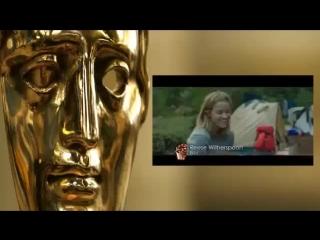 Henry Cavill and Chris Evans present BAFTA award to Julianne Moore