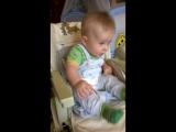 сыночка танцует именно под эту песню!)))