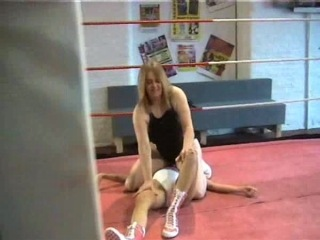 Female wrestling - Honey vs Nasty Niki