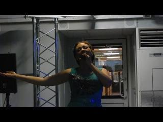 Поёт Мария Некалина. РАСЦВЕТАЛИ ЯБЛОНИ В САДУ