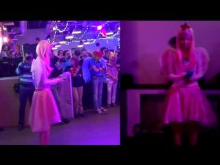 Дефиле Princess Cadence на Filly Feather Festival