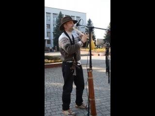 вуличний музикант в тячеві